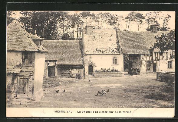 AK Mesnil-Val, La Chapelle et l'Interieur de la ferme