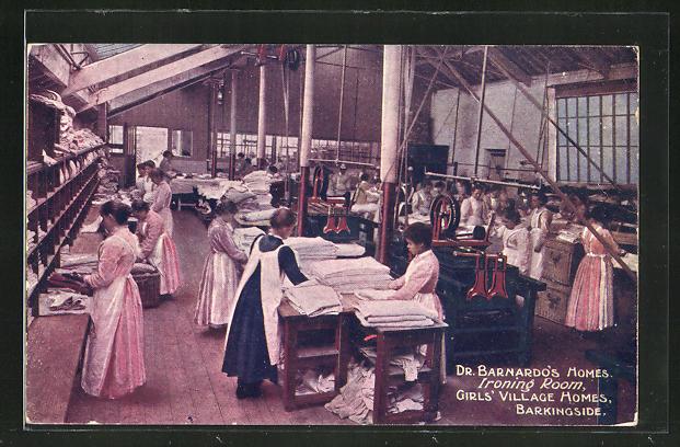 AK Barkingside, Dr. Barnardo's Homes, Ironing Room, Girl's Village Homes, Wäscherei, Bügelhalle