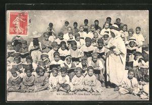 AK Algérie, Une École indigène, Schulklasse mit Leher