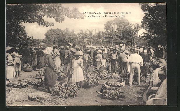 AK Martinique, Groupe de Marchandes de Bananes à l'entrée de la Cie 0