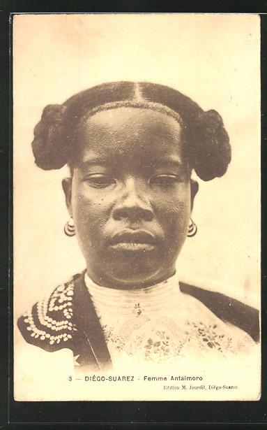 AK Diègo-Suarez, Femme Antaimoro, afrikanische Volkstypen mit toller Frisur