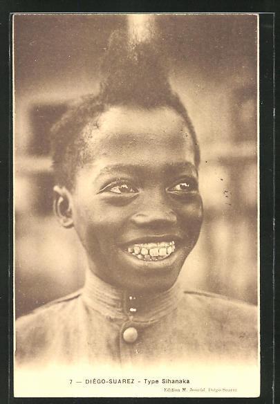 AK Diègo-Suarez, Type Sihanaka, afrikanische Volkstypen mit toller Frisur