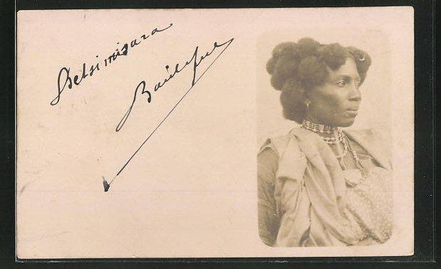 AK Afrikanische Frau mit extravaganter Frisur