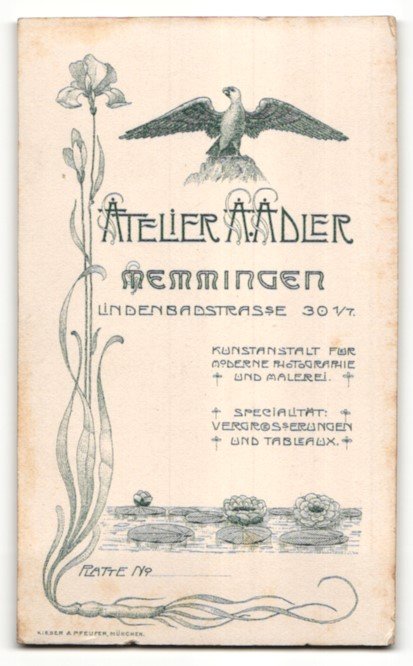 Fotografie A. Adler, Memmingen, Portrait Dame mit zusammengebundenem Haar 1