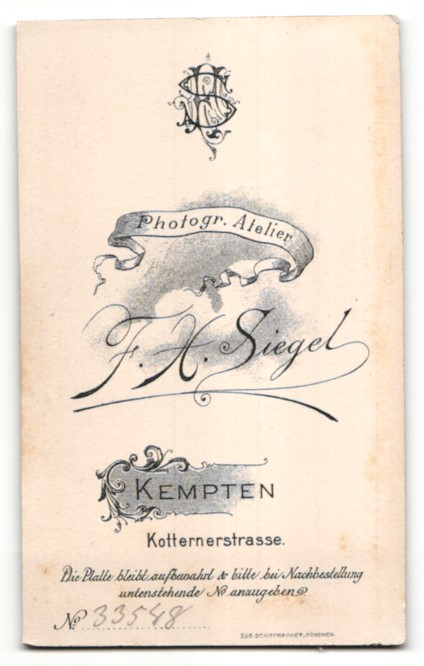 Fotografie F. X. Siegel, Kempten, Portrait Bub in feierlichem Anzug 1