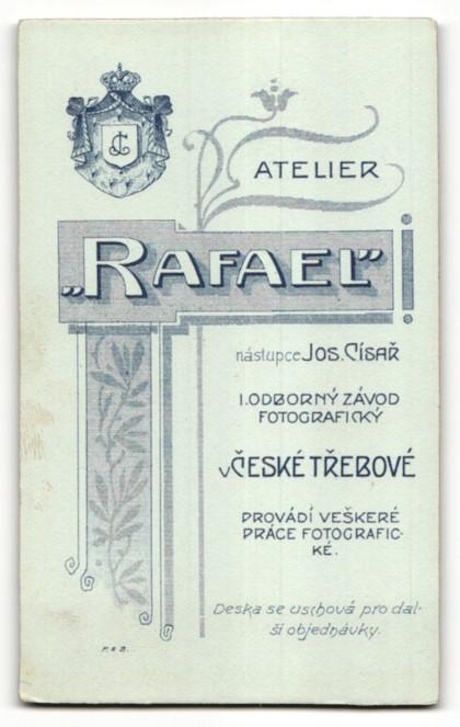 Fotografie Atelier Rafael, Ceská Trebová, Portrait junger Mann in Anzug 1