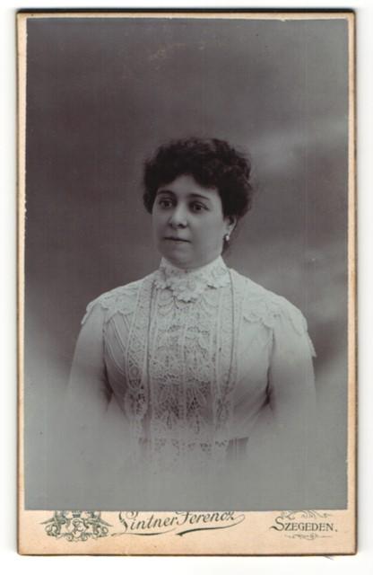 Fotografie Lintner Ferencz, Szegeden, Portrait bürgerliche Dame 0