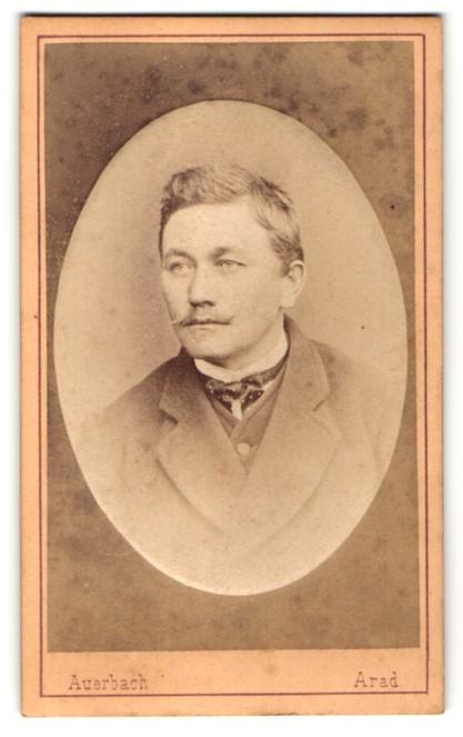 Fotografie Auerbach, Aradon, Portrait Herr mit Oberlippenbart 0
