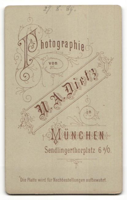 Fotografie N. A. Dietz, München, Portrait Herr mit Bart und Brille 1