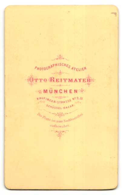 Fotografie Otto Reitmayer, München, Portrait junge Dame in Kleid 1