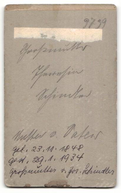 Fotografie Adalbert Werner, München, Portrait Frau mit zurückgebundenem Haar 1