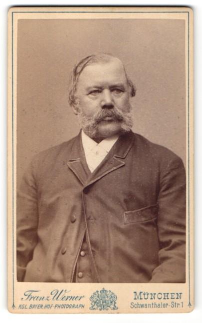 Fotografie Franz Werner, München, Portrait betagter Herr mit Backen- und Oberlippenbart 0