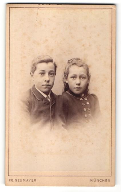 Fotografie Fr. Neumayer, München, Portrait Bruder und Schwester 0
