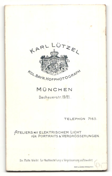 Fotografie Karl Lützel, München, Portrait junge Frau mit zusammengebundenem Haar 1