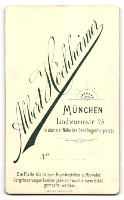 Fotografie Albert Höchheimer, München, Portrait Mädchen mit Kruzifix 1