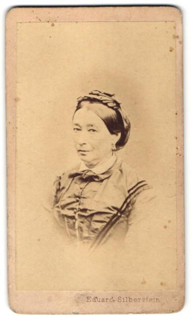 Fotografie Eduard Solberstein, Neutitschein & Roznau, Portrait Frau mit zeitgenöss. Frisur 0