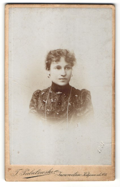 Fotografie T. Pielatowski, Inowroclaw, Portrait Fräulein mit zusammengebundenem Haar 0