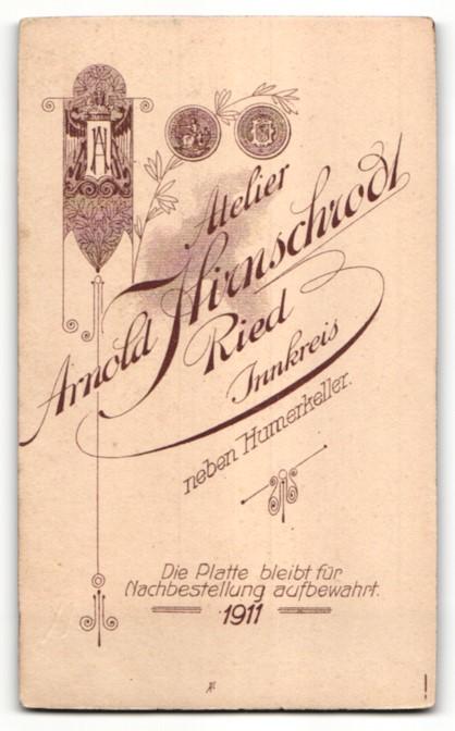 Fotografie Arnold Hirnschrodt, Ried, Portrait älterer Herr in Anzug 1