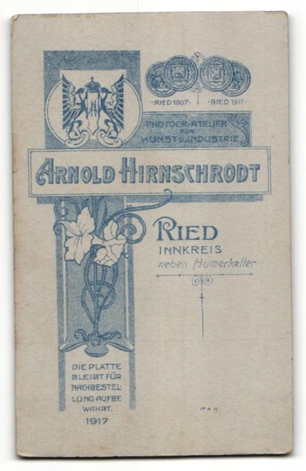 Fotografie Arnold Hirnschrodt, Ried, Portrait junge bürgerliche Dame 1