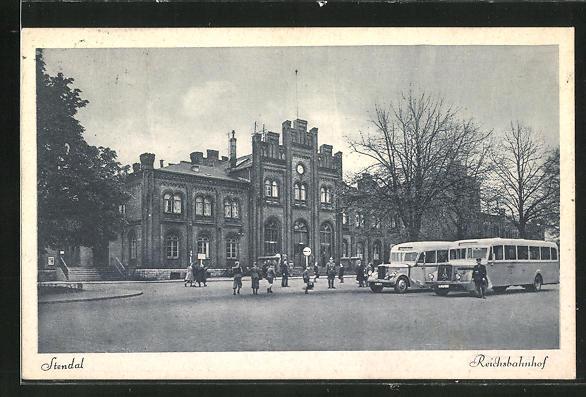 AK Stendal, Busse vor dem Reichsbahnhof 0