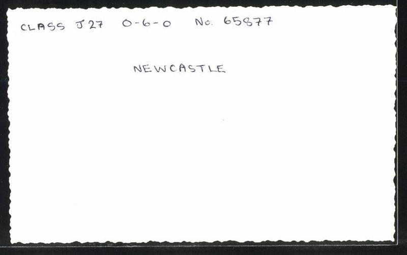 Fotografie Fotograf unbekannt, Ansicht Newcastle, Dampflok Class J27, Lok-Nr.: 65877, Eisenbahn England 1