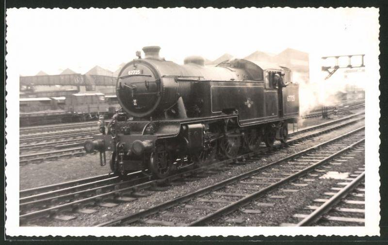 Fotografie Fotograf unbekannt, Ansicht Darlington, Dampflok Class L1, Lok-Nr.: 67725, Eisenbahn England