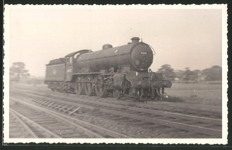 Fotografie Fotograf unbekannt, Ansicht Castle Hills / Northallerton, Dampflok Class B16, Lok-Nr.: 61448, Eisenbahn