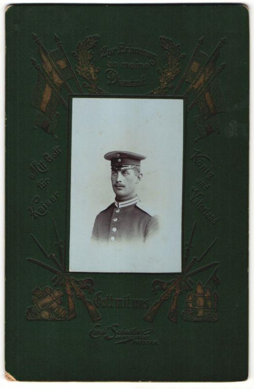 Fotografie Emil Schröter, Potsdam, Portrait Garde-Soldat in Uniform mit Schirmmütze 0