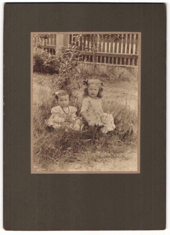 Fotografie Alwin Zenker, Sayda i. Erzgebirge, niedliche Mädchen mit Schmuck - Halskette