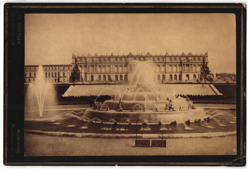 Fotografie G. Böttger, München, Ansicht Herrenwörth, Schloss Herrenchiemsee, Brunnen mit Wasserspiel 0