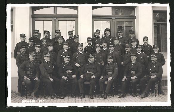 Foto-AK Appenzell, Gruppenbild der Feuerwehr im Oktober 1925 0