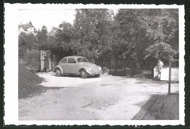Fotografie Auto VW Käfer, Volkswagen PKW rollt auf das Gelände 0