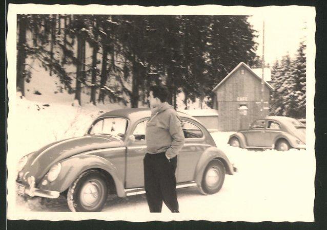 Fotografie Auto VW Käfer, Volkswagen im Schnee