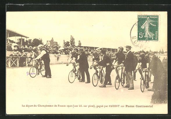 AK Radsportler am Start des Championnat de France 1910, Reklame für Pneus Continental