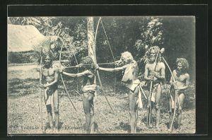 AK Ceylon, Eingeborene vom Stamm der Veddhas bei der Jagd