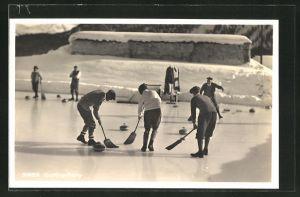 AK Curling-Party, Wintersportler spielen Curling