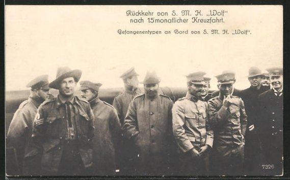 AK Kriegsgefangene kehren vom Kriegsschiff S. M. H.