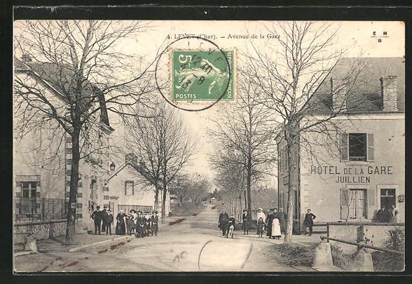 AK Levet, Avenue de la Gare, Ortspartie mit Hotel de la Gare