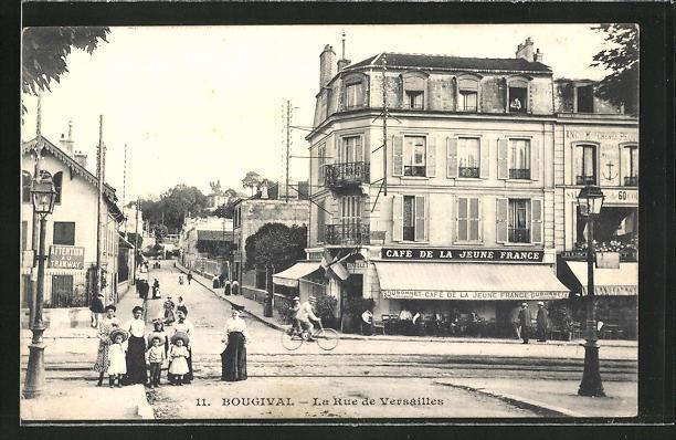AK Bougival, La Rue de Versailles & Café de la Jeune France