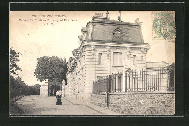 AK Louveciennes, Entrée du Château Dubarry et Pavillons