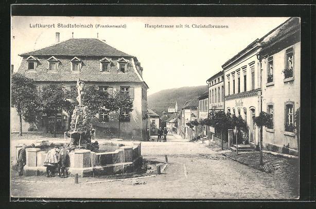 AK Stadtsteinach / Frankenwald, Hauptstrasse mit St. Christofbrunnen