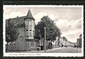 AK Jüterbog, Zinnaer Strasse mit Markt und Geschäften