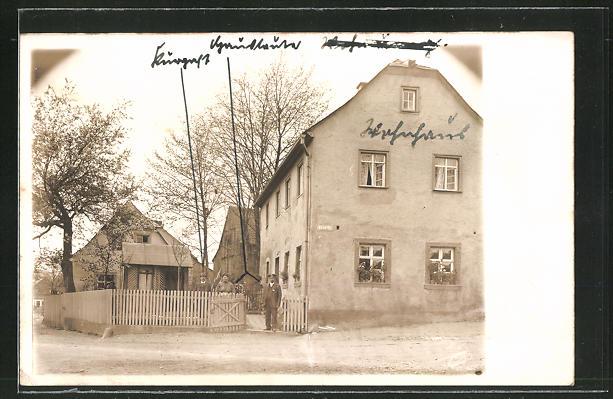 Foto-AK Bad Steben, Motiv aus der Kirchstrasse mit Anwohnern