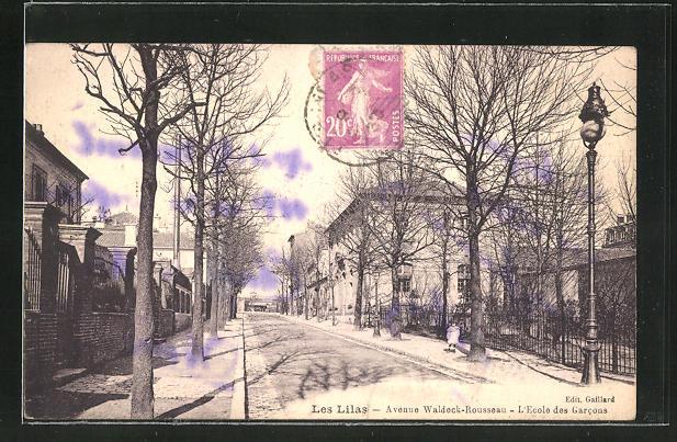 AK Les Lilas, Avenue Waldeck-Rousseau, L'Ecole des Garcons