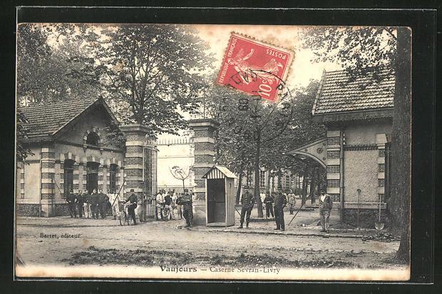 AK Vaujours, Caserne Sevran-Livry, Soldaten am Eingang der Kaserne
