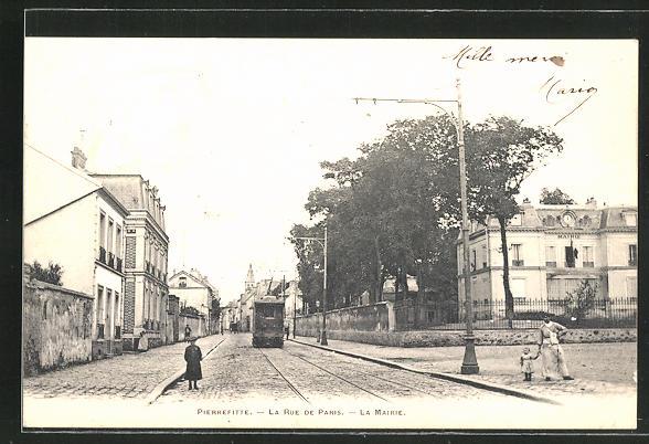 AK Pierrefitte, La Rue de Paris, La Mairie et Tramway 0