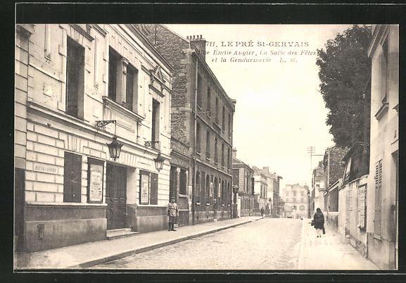 AK Le Pré-Saint-Gervais, Rue Emile Augier, La Salle des Fetes et la Gendarmerie 0