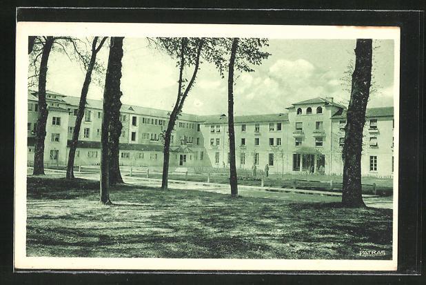 AK Magnanville, Sanatorium de l'Association Leopold Bellan, La Cour d'Honneur 0
