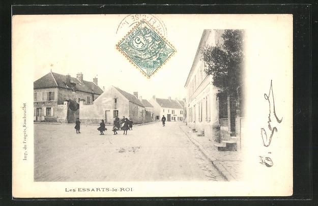 AK Les Essarts-le-Roi, Strassenpartie im Ort