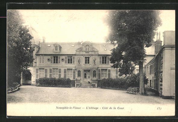 AK Neauphle-le-Chateau, L'Abbaye, Cote de la Cour 0
